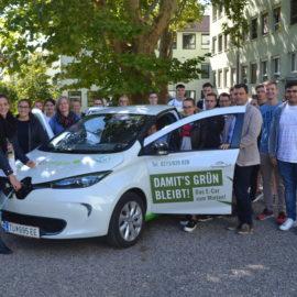 Startschuss zum Projekt Klimaschulen Wagram: SchülerInnen der HAK Tulln erFAHREN E-Mobilität!